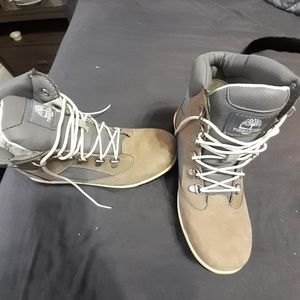 Size 8 womans timberland boots
